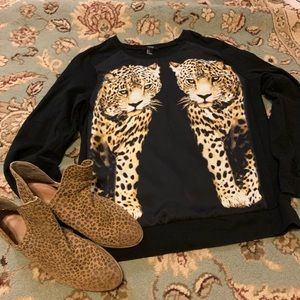 Forever 21 Cheetah top. NWOT! Size Lg